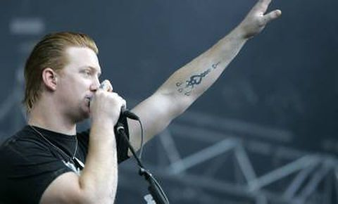 Wokalista Queens of the Stone Age ma syna