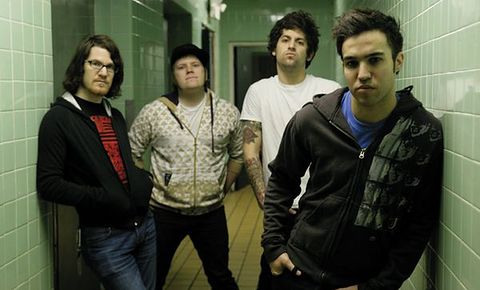 "Fall Out Boy wypuszcza ""Pax Am Days"""
