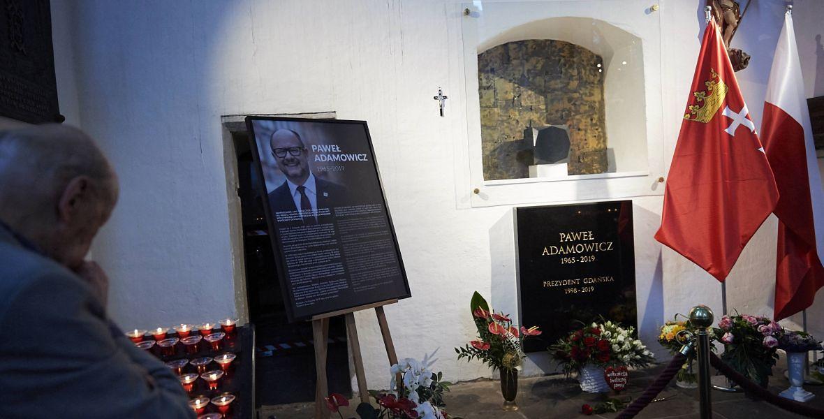 Grób prezydenta Pawła Adamowicza w Bazylice Mariackiej