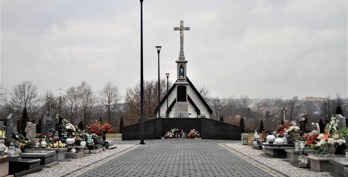Cmentarz w nowych Nieboczowych. Jego przeniesienie było jednym z warunków, którzy postawili mieszkańcy wsi