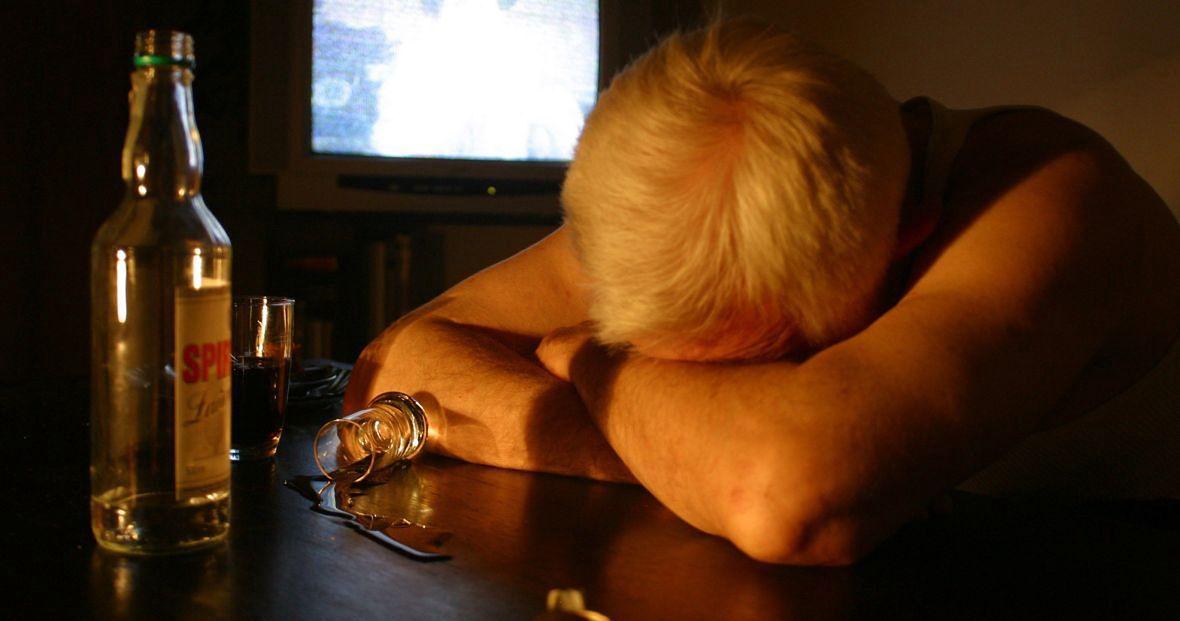 Lęk jest jedną z przyczyn sięgania po alkohol. W czasie epidemii mamy go w nadmiarze