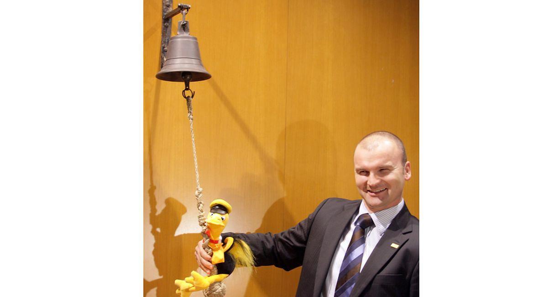 Rafał Brzoska podczas debiutu spółki Integer.pl. na warszawskiej Giełdzie Papierów Wartościowych. 30 października 2007 roku