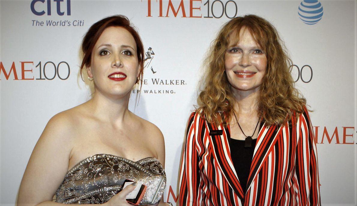 Dylan i Mia Farrow w 2016 r.
