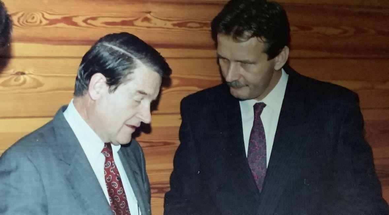 Wizyta dyrektora CIA Williama H. Webstera (po lewej) w Warszawie. Listopad, 1990 roku