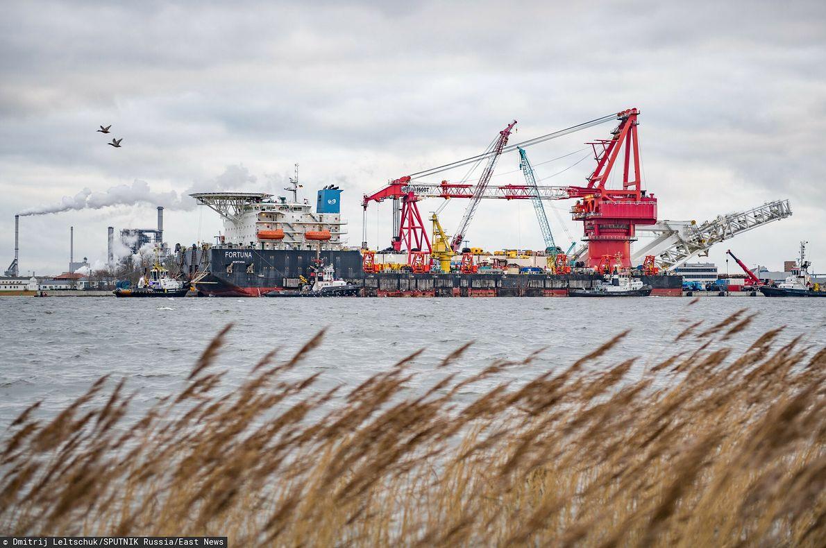 Rosyjski statek do układania podmorskich rur \