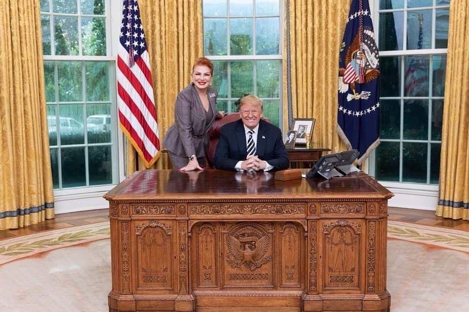 Ambasador USA w Polsce Georgette Mosbacher i prezydent USA Donald Trump
