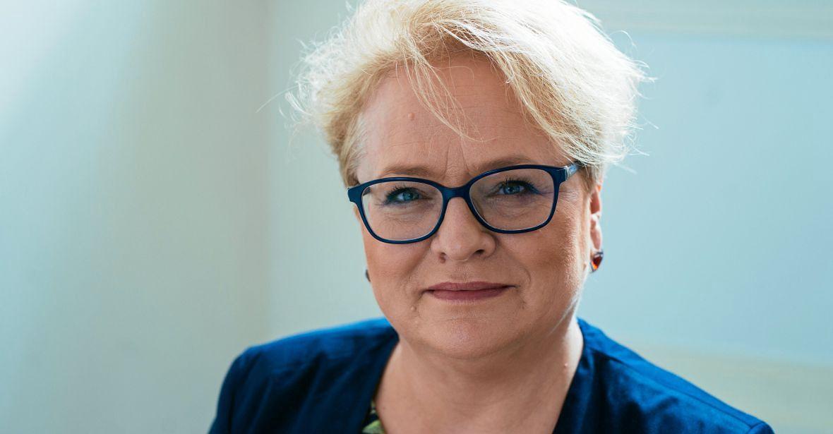 """Przewodnicząca Rady Języka Polskiego, prof. Katarzyna Kłosińska zaskoczyła posłankę Pawłowicz, gdy ta zażądała wyrugowania z j. polskiego wszystkich zapożyczeń. """"Bardzo mi przykro, ale słowo wyrugować też jest zapożyczeniem"""""""