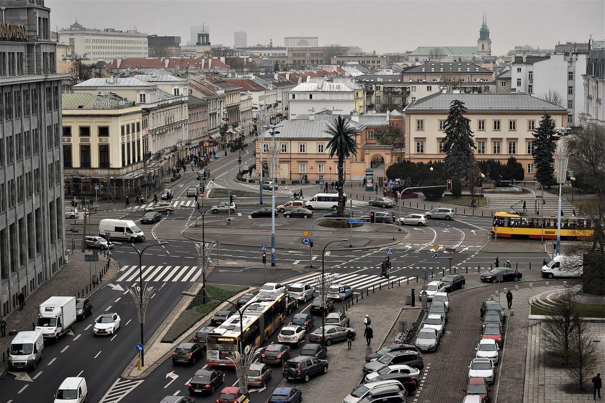 Rondo Charlesa de Gaulle'a w Warszawie, gdzie toczy się akcja opisana przez Ziemowita Szczerka w książce