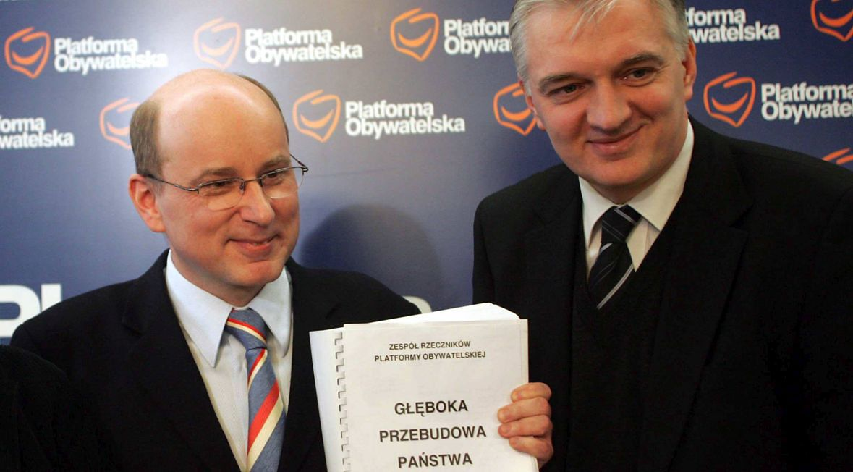 Jan Rokita i Jarosław Gowin. Pierwszy z polityki zrezygnował, drugi do dziś przebudowuje Polskę. Sejm, styczeń 2007 roku