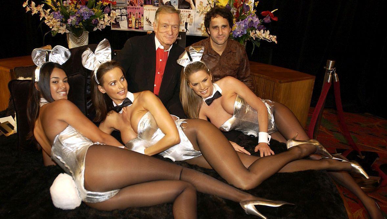 """Przed wyborami w 2016 roku tygodnik """"National Enquirer"""" miał zapłacić 150 tysięcy dolarów byłej modelce """"Playboya"""", Karen McDougal (druga z lewej). Chodziło o wyłączne prawa do historii romansu, jaki kobieta miała mieć z Donaldem Trumpem w pierwszych latach jego małżeństwa z Melanią Trump"""