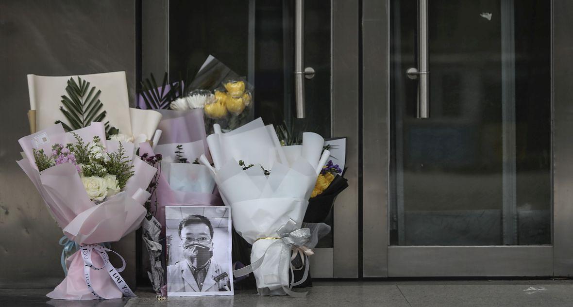 Pierwszym, który ujawnił pojawienie się koronawirusa był doktor Li Wenliang. Lekarz sam został zakażony. Zmarł 7 lutego