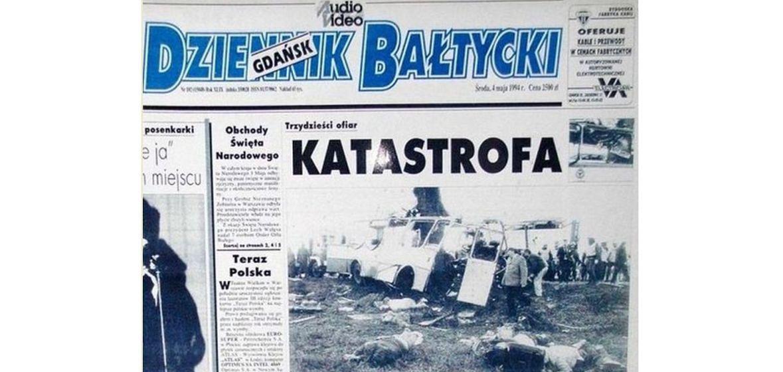"""Katastrofa w Kokoszkach nie schodziła z czołówek pomorskich gazet przez wiele tygodni. Na zdjęciu wydanie """"Dziennika Bałtyckiego"""" z 4 maja 1994 roku"""