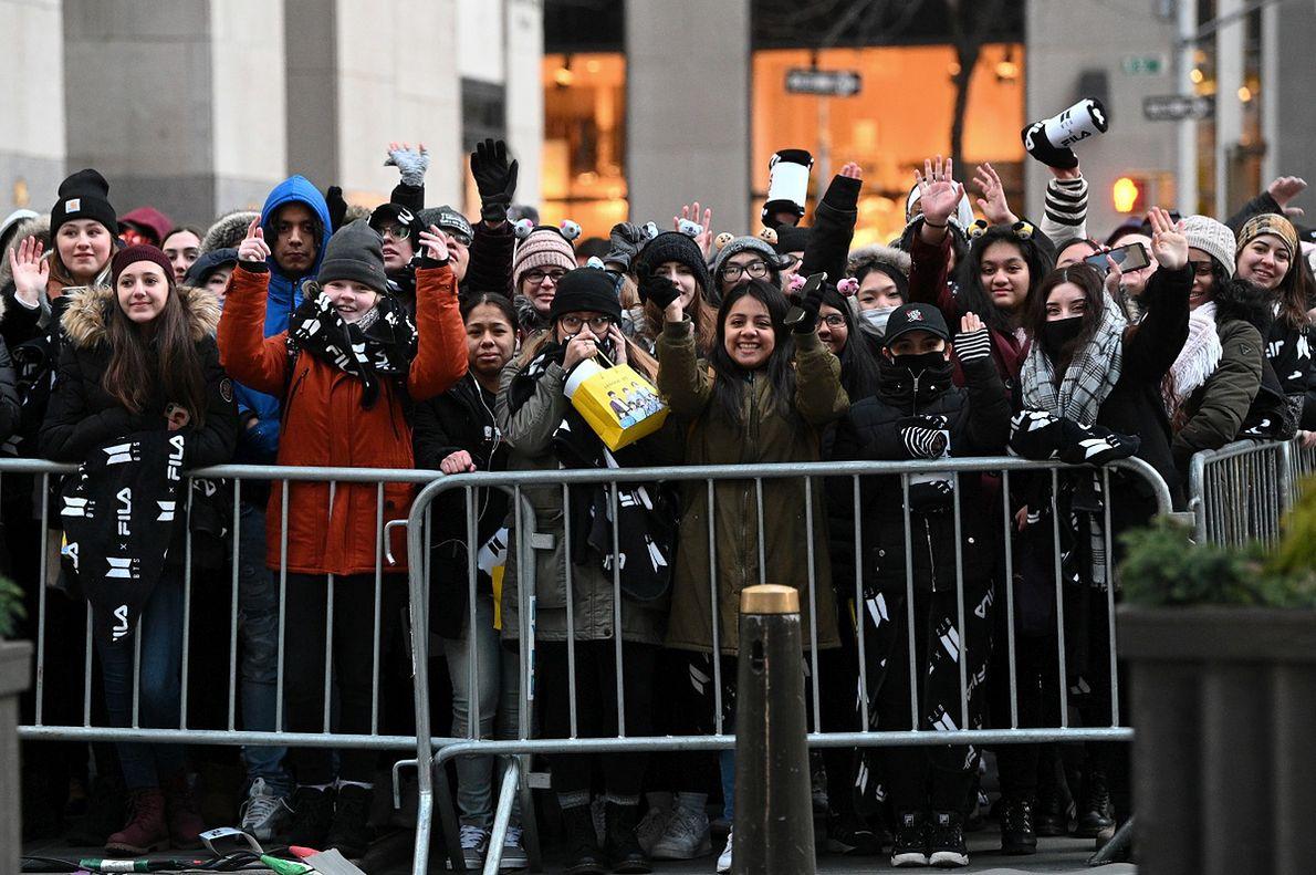 Fani i fanki BTS w Nowym Jorku
