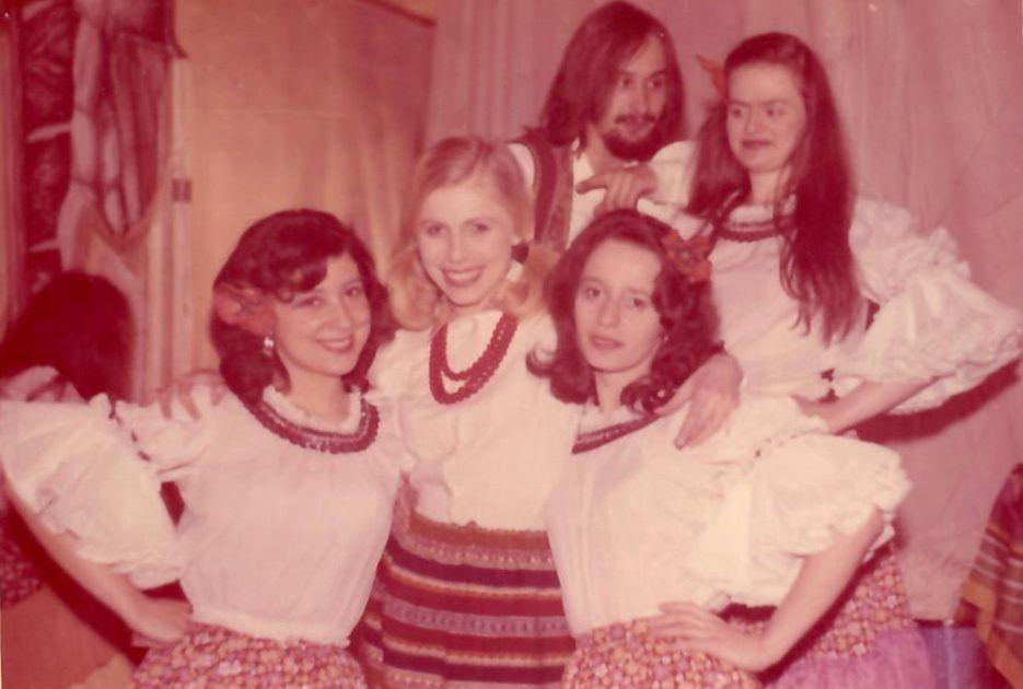 Początek lat 70. Jadwiga Kruk po maturze w Warszawie