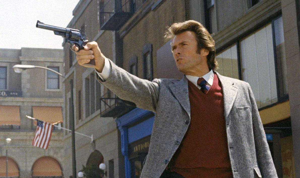 Clint Eastwood jako inspektor Harry Calahan w filmie \
