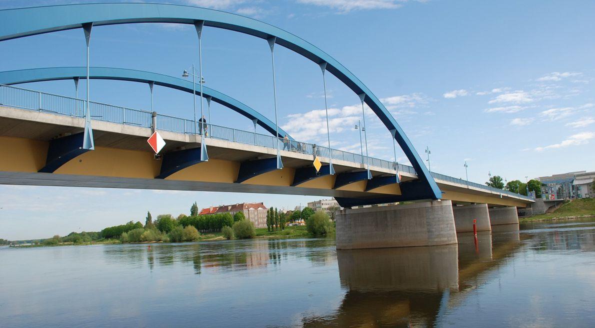 Most łączący Frankfurt nad Odrą i Słubice