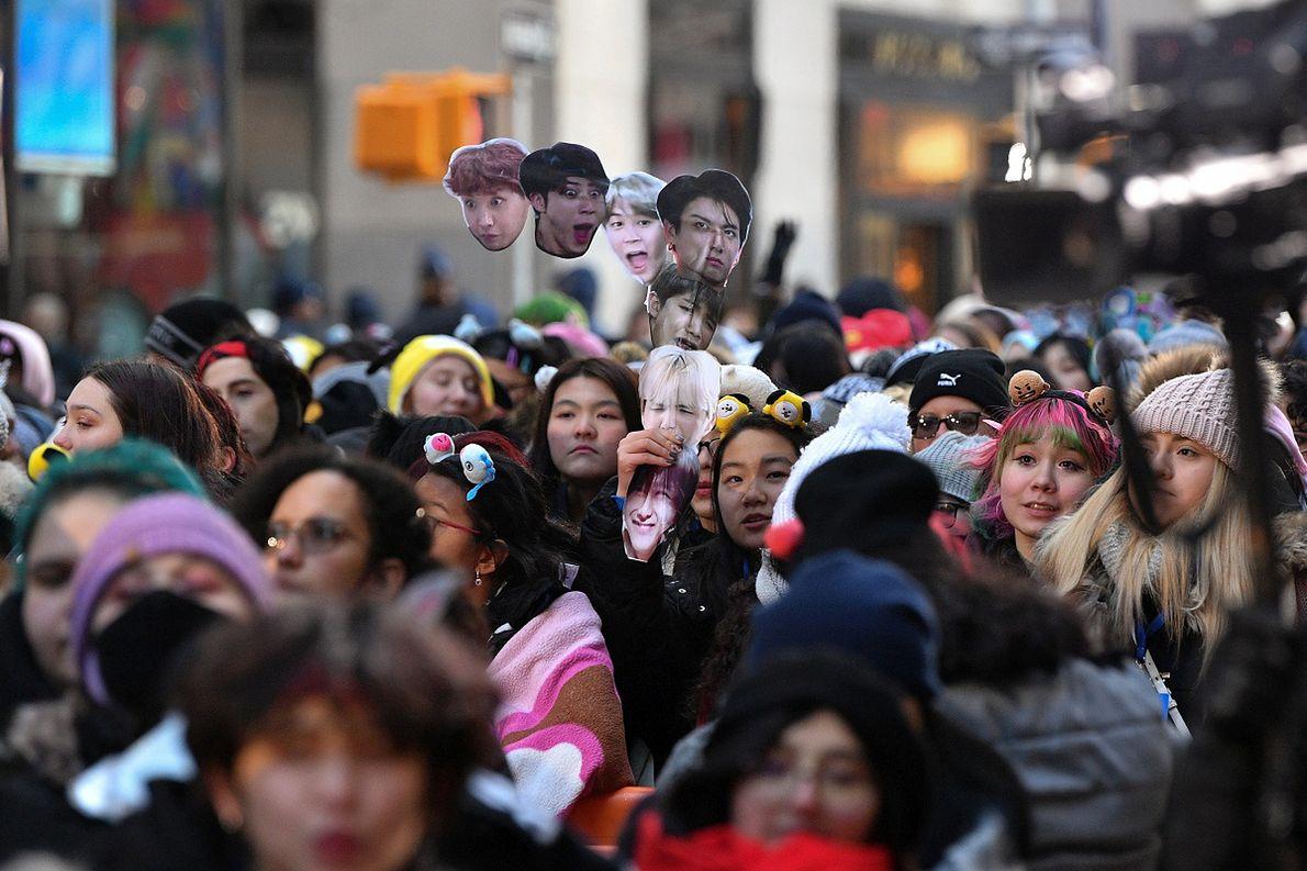 Fanki kpopowych gwiazd - BTS - w Nowym Jorku