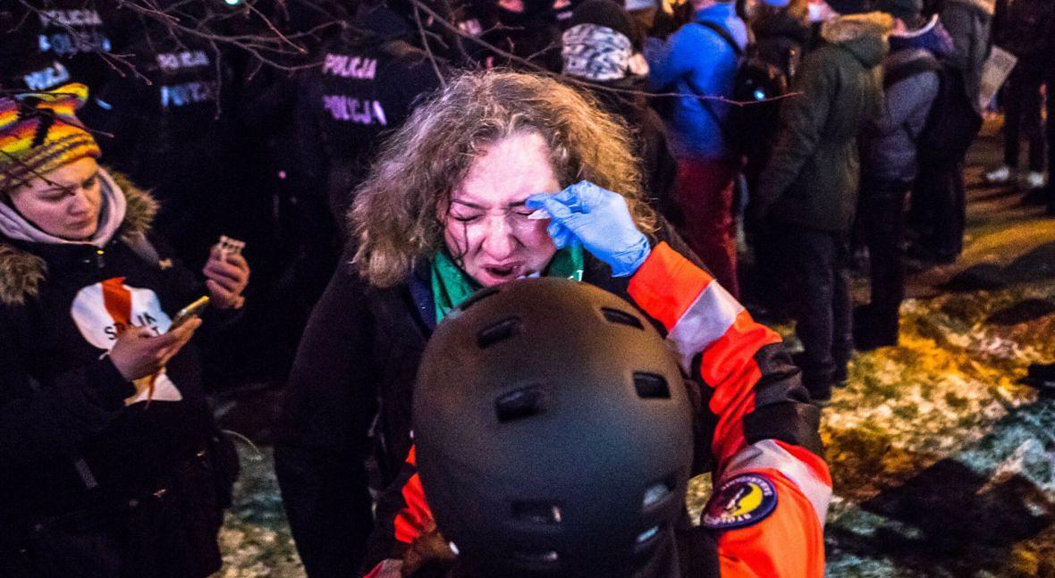 """Dr Socha: """"Jestem całym sercem za jakimkolwiek strajkiem, który walczy o prawa moich sióstr, pacjentek, koleżanek. I zapewniam, że nie jestem tchórzem. Ale Marta Lempart pewnie nie wie, w jakich realiach pracujemy i jak to wygląda z naszego, zespołowego punktu widzenia"""""""
