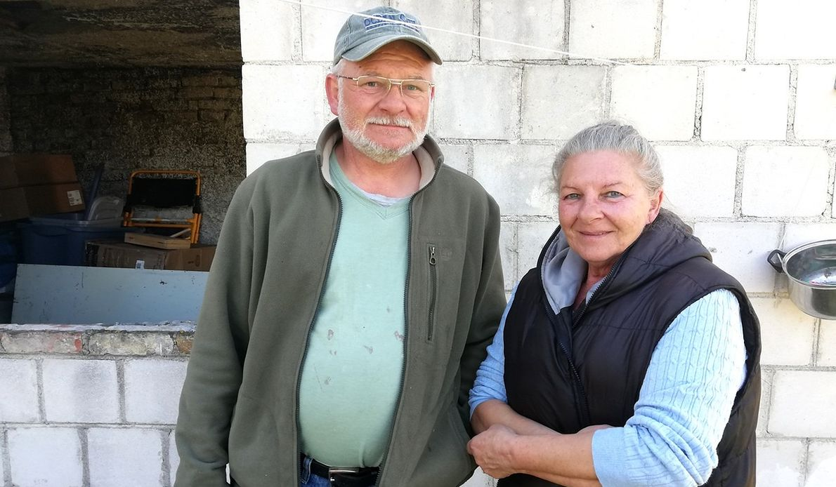 Bożena i Janek mieszkają w Wólce od kilku miesięcy. Widzieli płomienie, które sięgały czubków drzew