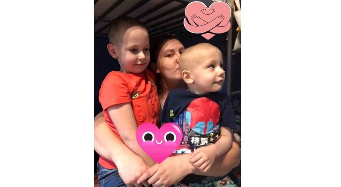 Marta z synami. Gdy Natan usłyszy, że niedługo spotka się z bratem, zaczyna odliczać każdy dzień