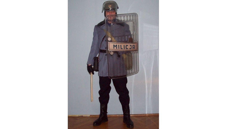 Tomasz w mundurze ZOMO