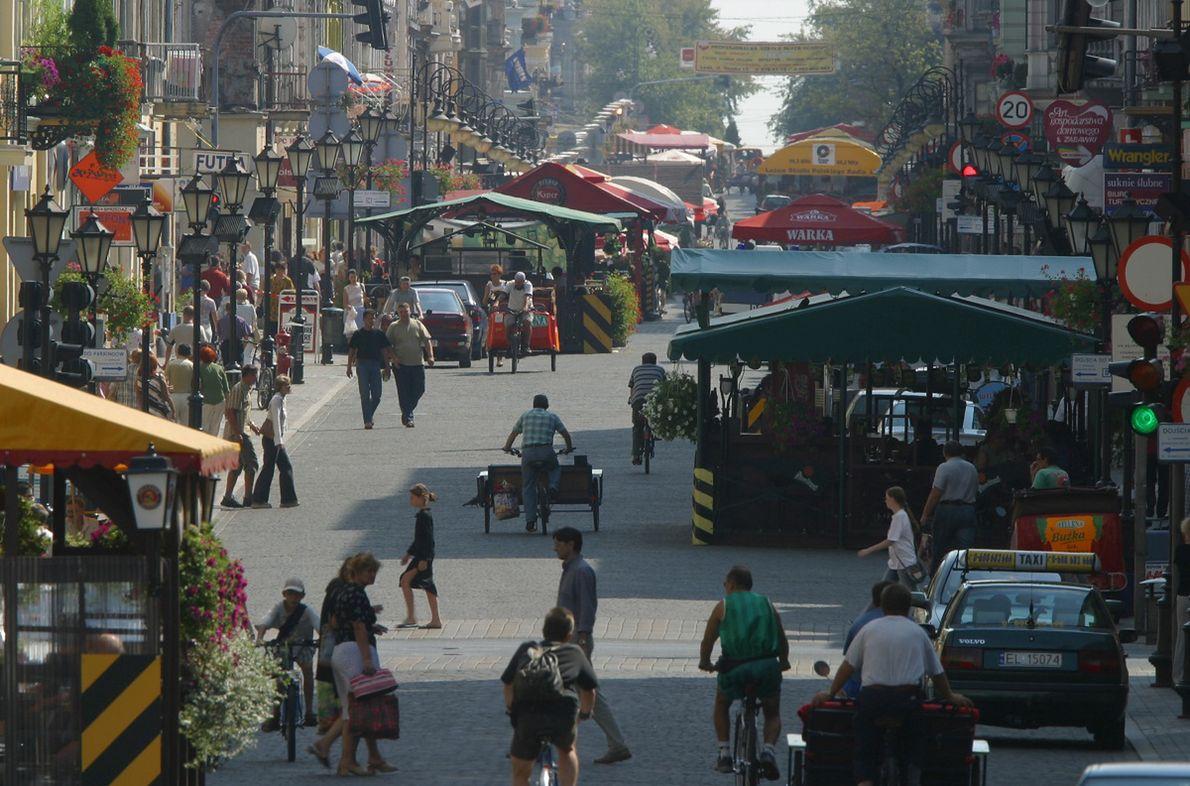 Ulica Piotrkowska w Łodzi, rok 2003, przed remontem