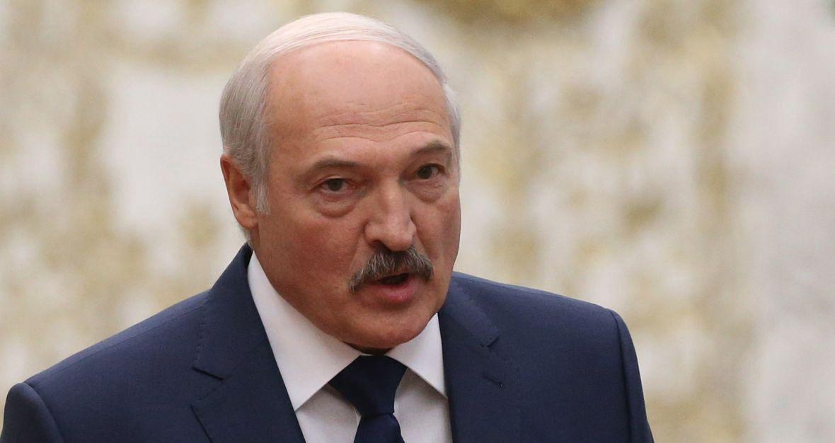 """""""Łukaszenka powrócił z wczesnego kapitalizmu do państwa quasi-kołchozowego, w którym w zasadzie nic w grubszym biznesie nie może się odbyć bez jego wiedzy i zgody"""""""