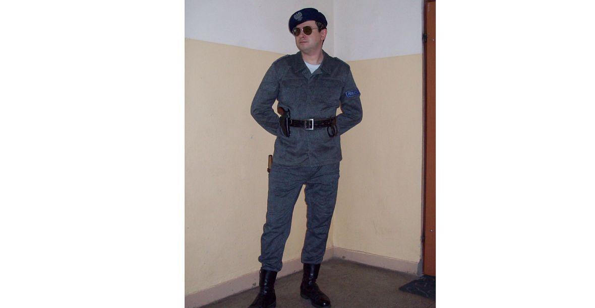 W mundurze milicyjnego antyterrorysty