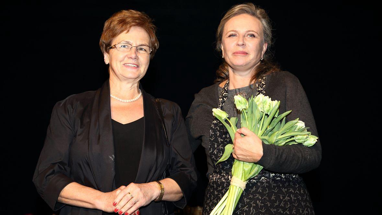 """Danuta Wałęsa i Krystyna Janda podczas premiery spektaklu """"Danuta"""". Teatr Polonia, 2012 rok"""