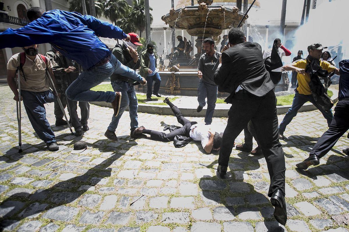 USA nakłada sankcje za pomoc Wenezueli w handlu ropą