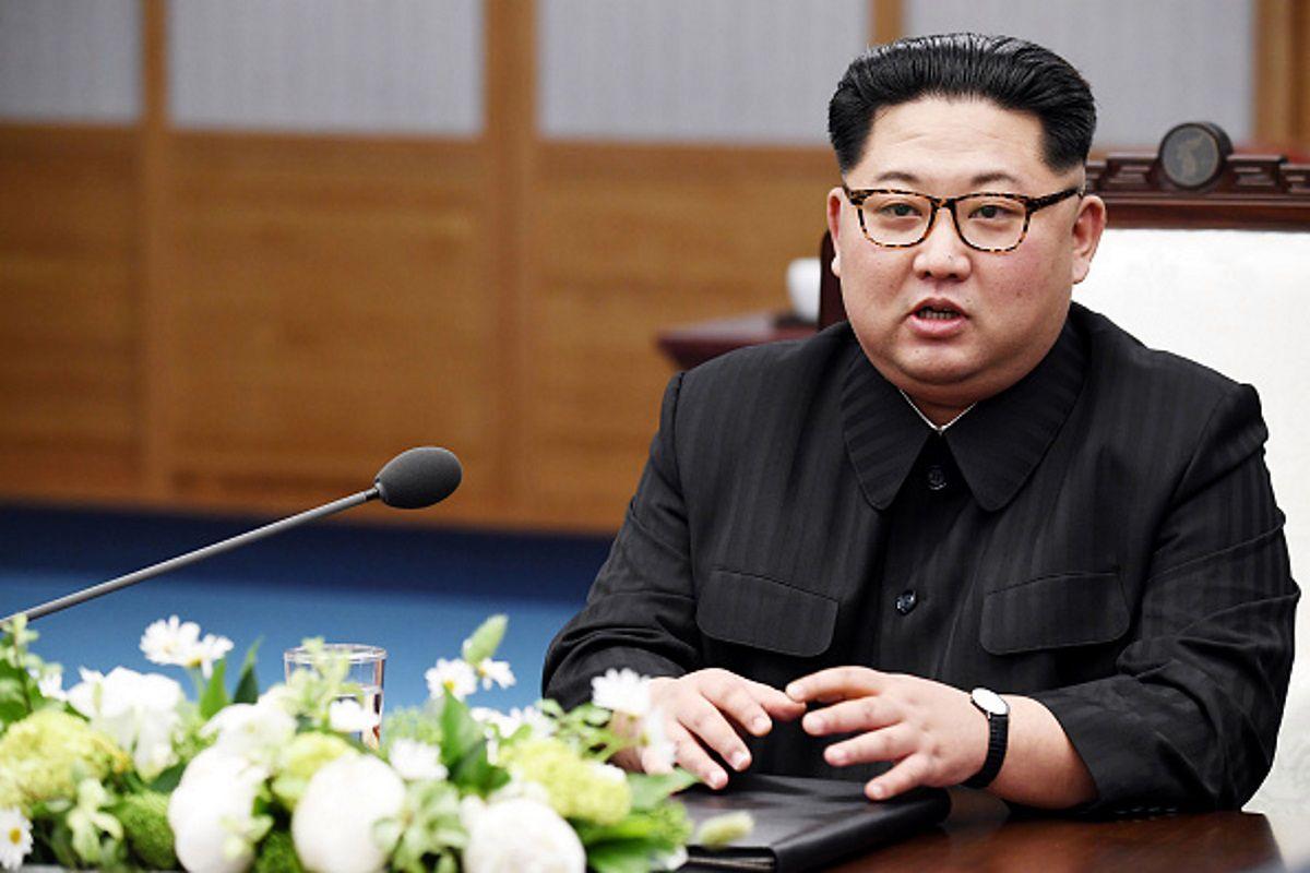 Nhà lãnh đạo Bắc Kora Kim Jong Un phát biểu trong Hội nghị thượng đỉnh liên Triều tại Nhà Hòa Binhf, Panmunjom, Hàn Quốc.