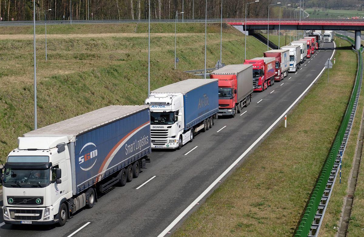 Kierowcy tracą pieniądze. 'Polska to kolos na glinianych nogach'