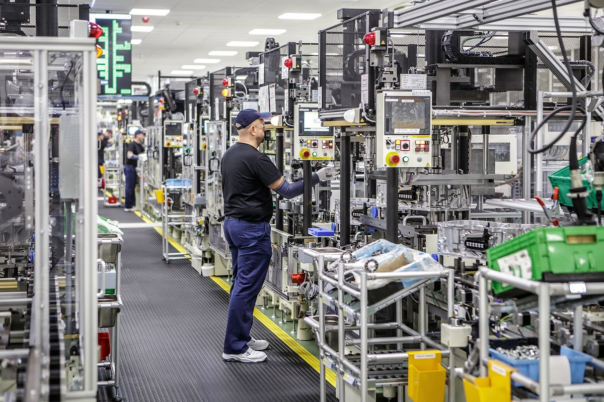 Toyota factory in Poland with a new task  Suzuki engines are