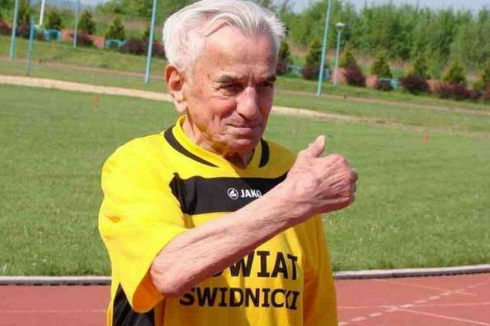 bffc392059e0 106-letni Stanisław Kowalski