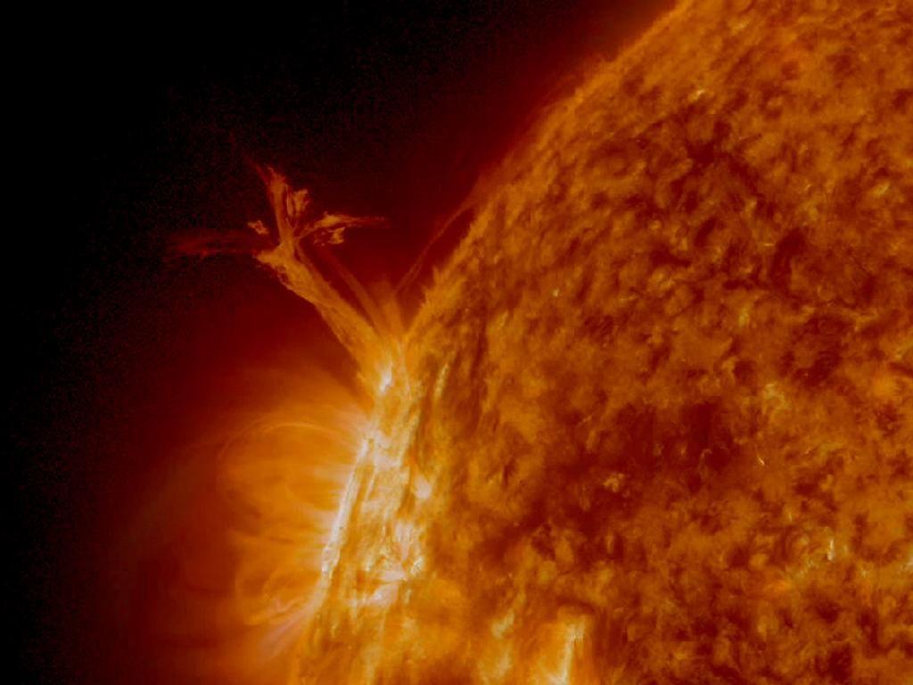 nasa satellite to the sun - 946×710