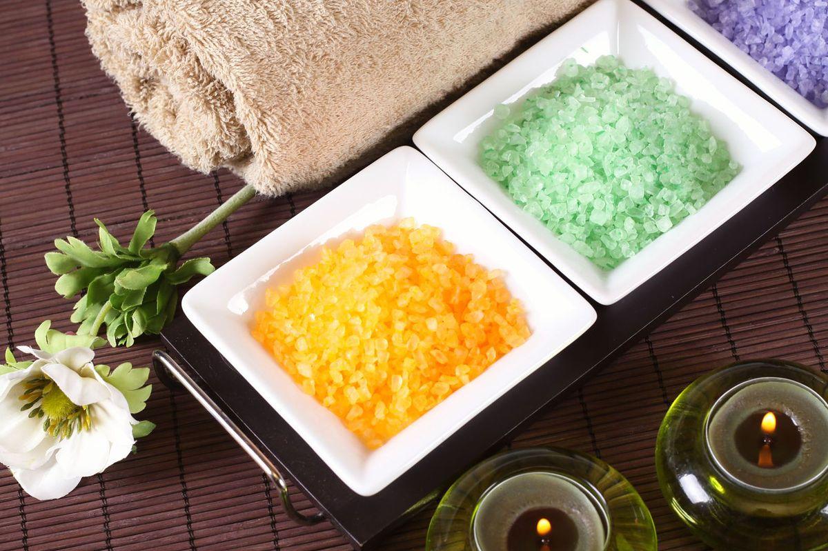 Kąpiel solna – dlaczego jest zbawienna dla zdrowia i urody?