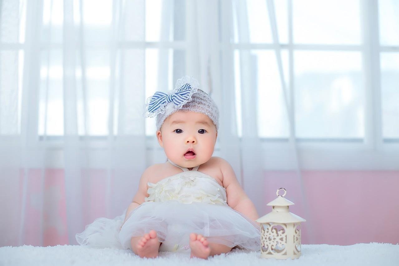 Sukienka na chrzciny dziecka wybraliśmy najładniejsze