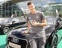 Lewandowski dostał kolejny samochód ZA DARMO!