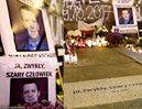 Warszawa upamiętniła mężczyznę, który podpalił się pod Pałacem Kultury (FOTO)
