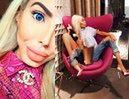 """Internauci kpią z """"żywej Barbie"""": """"Jej usta są OBLEŚNE! Piersi wyglądają, jakby miały wybuchnąć"""""""