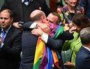 """Australia ZALEGALIZOWAŁA małżeństwa jednopłciowe! """"Co za dzień dla miłości, równości oraz szacunku"""""""