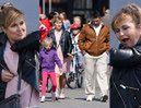 Kasia Skrzynecka z zabawną miną poprawia sobie stanik podczas wyjścia z rodziną (ZDJĘCIA)