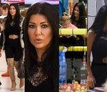 Węgrowska w koronkach i kozakach bawi się z córką w galerii handlowej (ZDJĘCIA)
