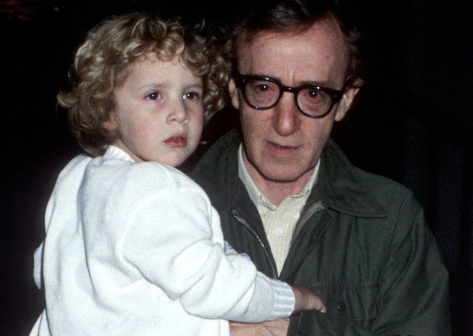 Allen kontra Farrow. Przerażająca relacja Dylan o tym, co robił jej Woody Allen - WP Gwiazdy