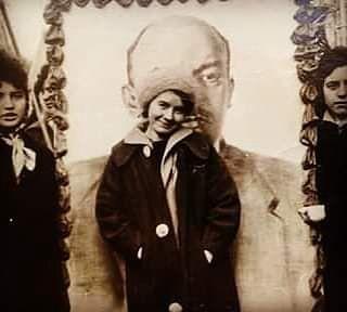 Pani Halina na tle Lenina