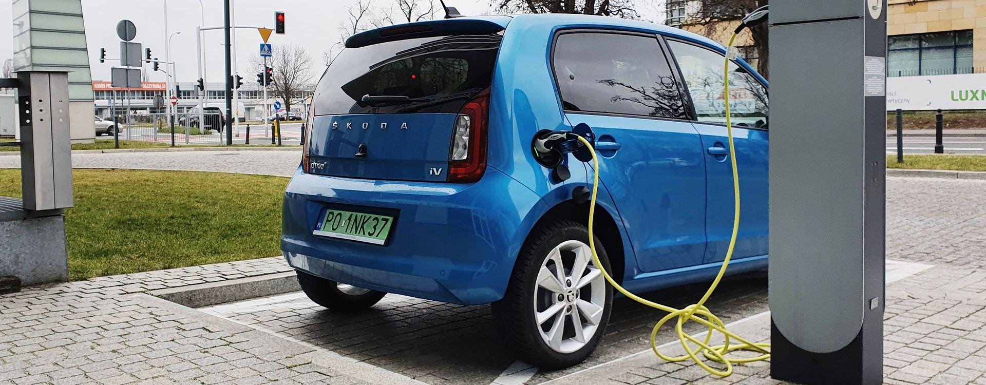 Elektryczna Škoda Citigo e IV, czyli najtańszy samochód na prąd w Polsce, jest już w salonach, ale wielu klientów będzie czekać na dopłaty