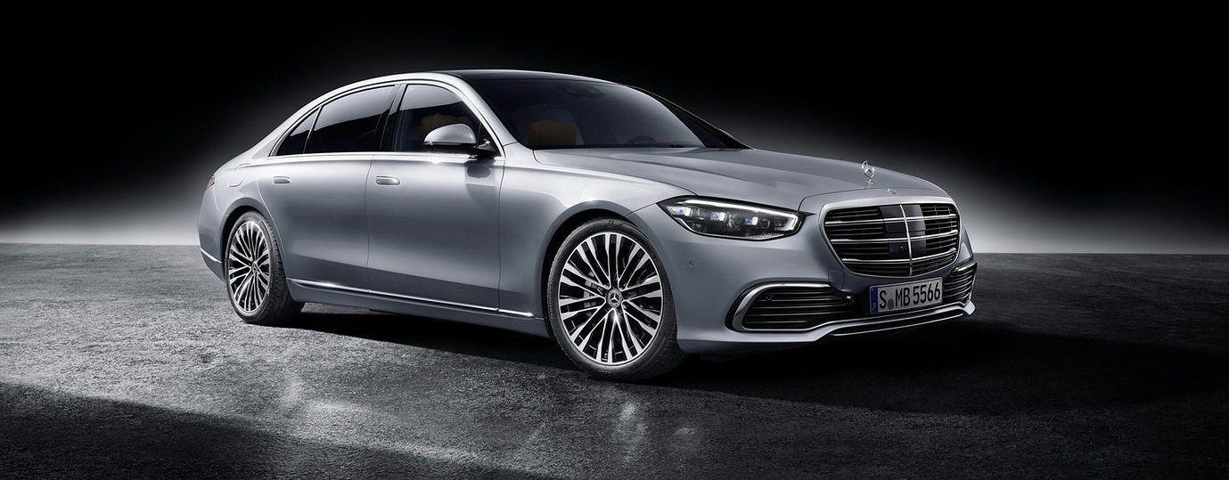 To jeden z najdroższych model marki, ale Mercedes w tym wydaniu postawił na skromność.