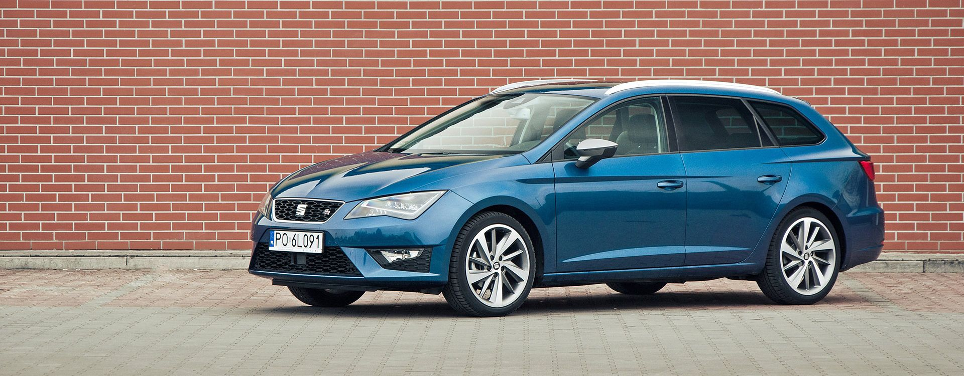 seat leon st 2 0 tdi fr 4drive najlepsza specyfikacja. Black Bedroom Furniture Sets. Home Design Ideas