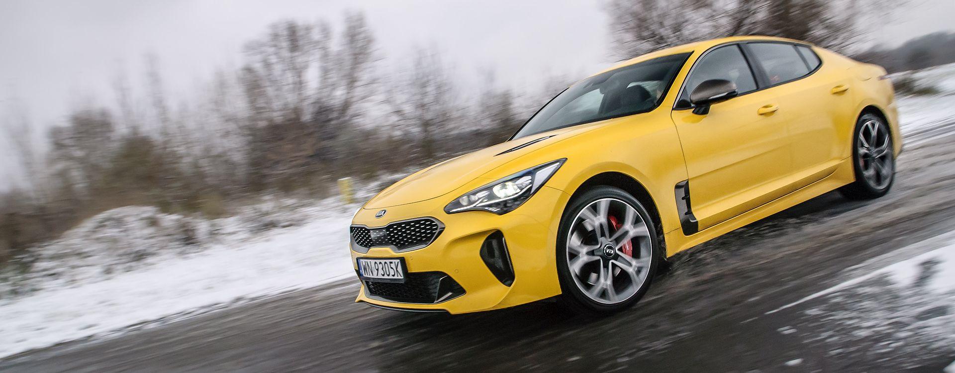 Nawet z dwulitrowym silnikiem Stinger daje frajdę z jazdy. Z jednostką V6 jest po prostu świetną okazją.