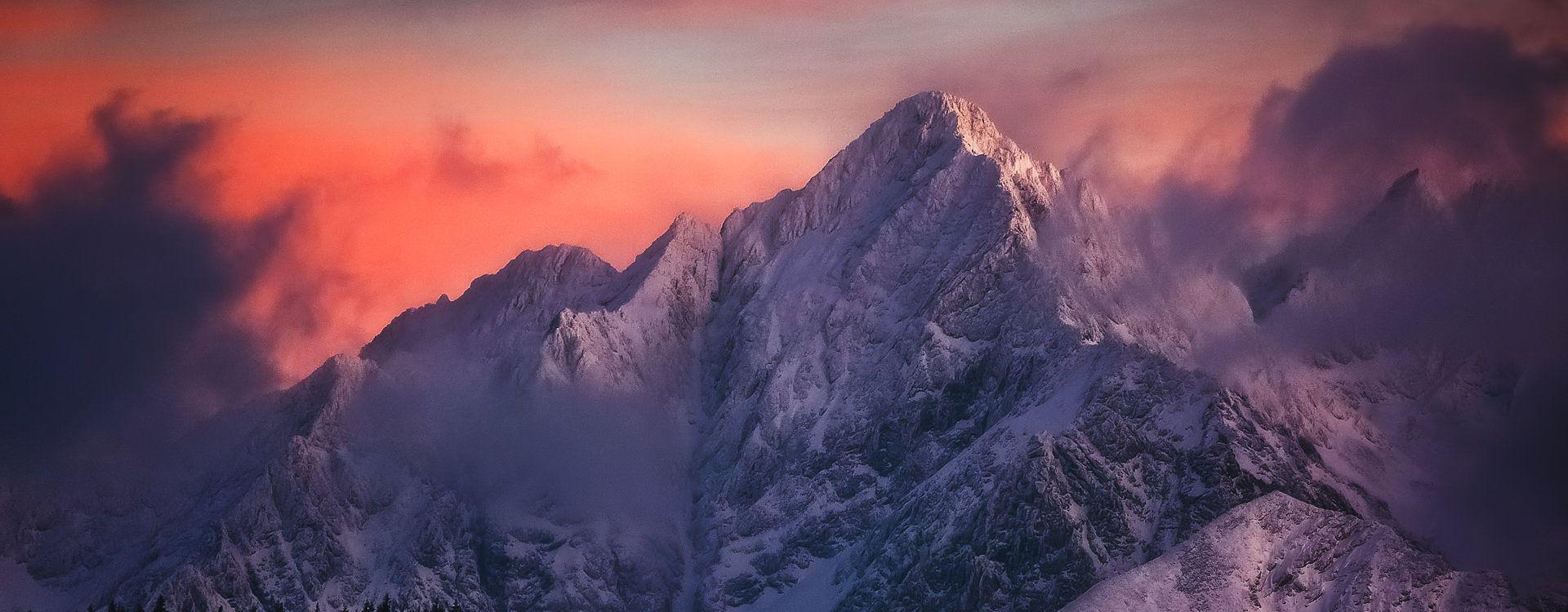 Warto zostać po zachodzie słońca, mamy szanse ujrzeć takie kolory na niebie.